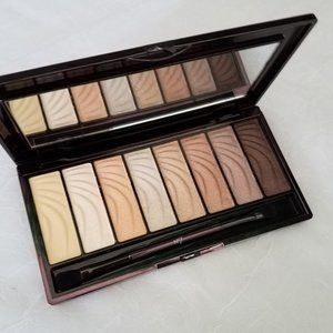 No.7 Stay Perfect Nude Eyeshadow Palette